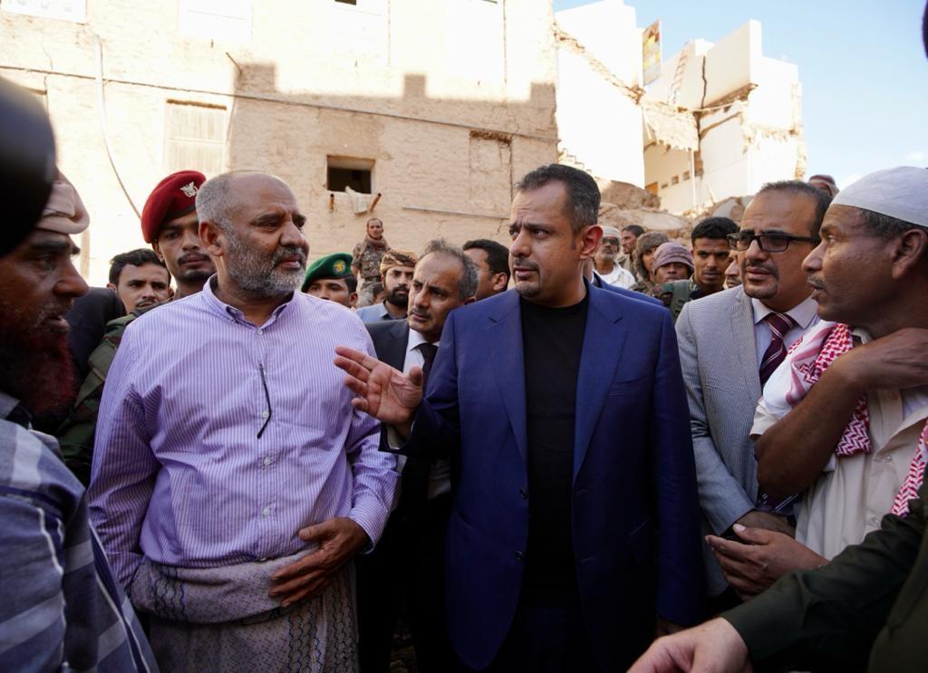 رئيس الوزراء خلال زيارته الميدانية